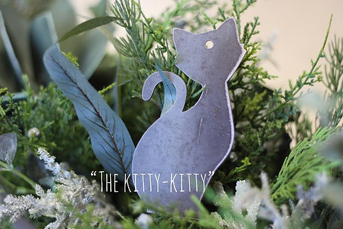 Sitting Kitty Christmas Ornament