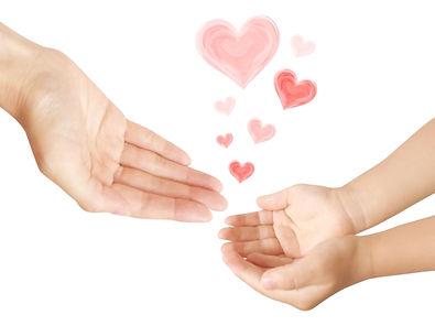 親子の手とハートS.jpg