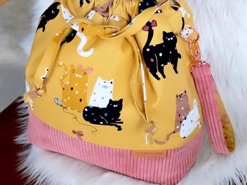 Cats Love Yarn- Large Classic Bag.