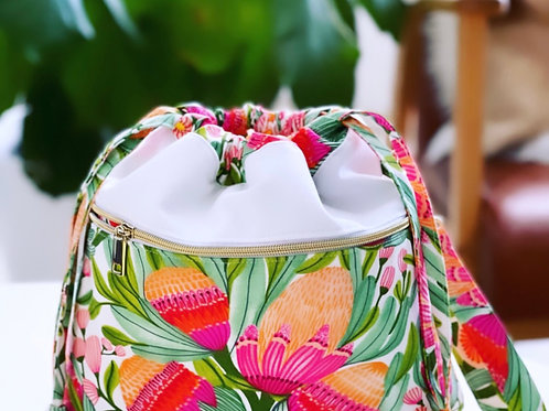 Gum Blossoms - Large Classic bag with Front  Zip Pocket,