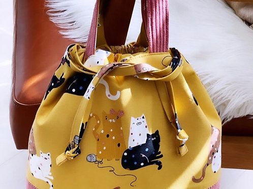 """Cats Love Yarn"" - Large Grab & Go Bag."
