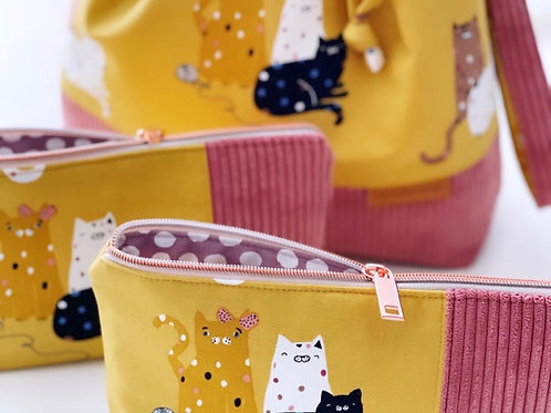Cats Love Yarn - Notions Pouch / Makeup Bag.