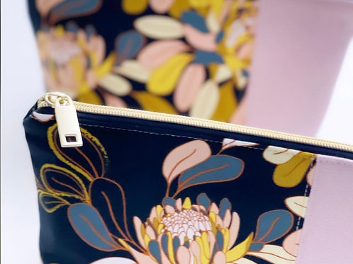 Ginger Utopia - Notions pouch / Cosmetic Bag.