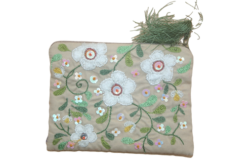 Embroidered Daisy purse