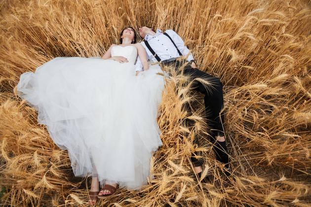 Lying-in-a-wheat-field-409043.jpg