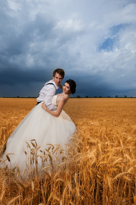 Bride-and-groom-in-a-magic-field-409033.