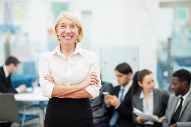 Mature-businesswoman-posing-544515.jpg