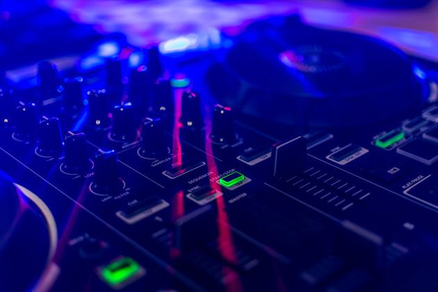 Music-mixer-587601.jpg