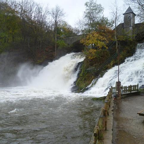 De watervallen van Coo