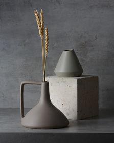TS003 - Grey Vases - 002.jpg