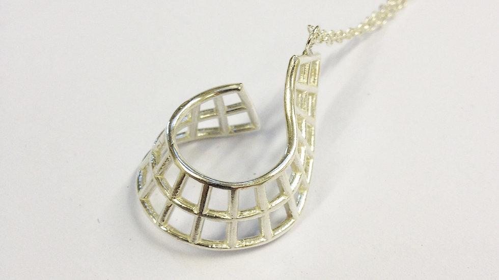 Single Twist Pendant