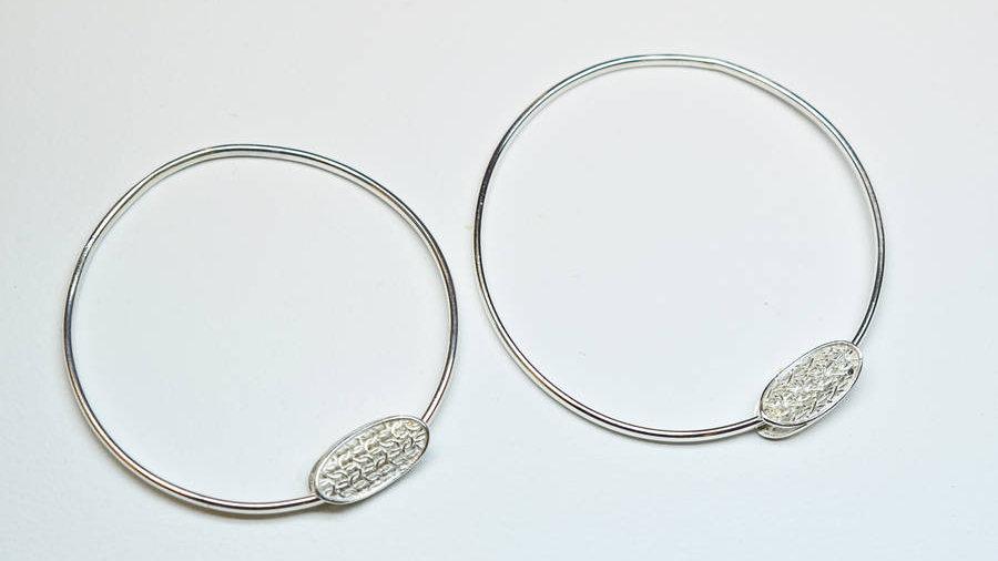 Silver Oval Charm Bangle