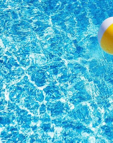 Bal van het strand in Pool