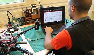 Paramétrage et réglage de drone chez IKAR le service technique de vos drones