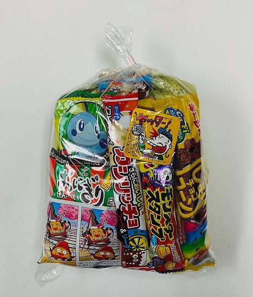 おまかせお菓子袋詰め216円