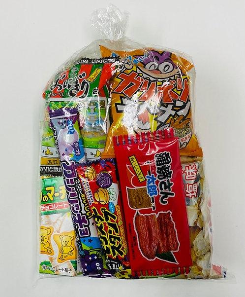 おまかせお菓子袋詰め324円
