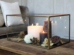 Chic Antique, display gull farget
