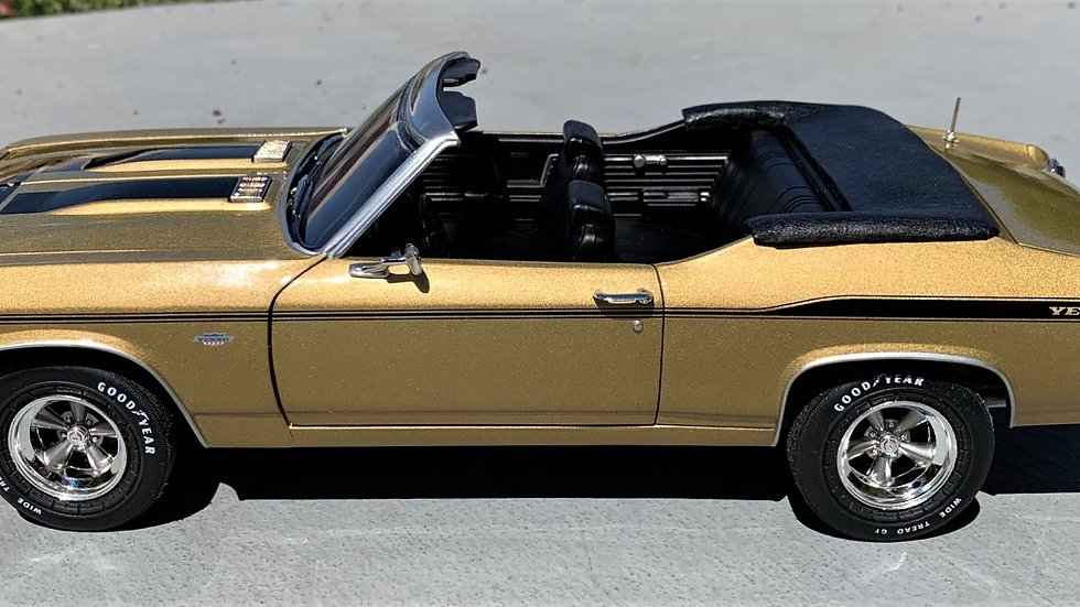 Autoworld, 1969 Yenko Chevelle, Aztec Gold, 1-12 convertibles