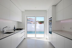 Leisure-Launch-Portugal-Realty-Kitchen-i