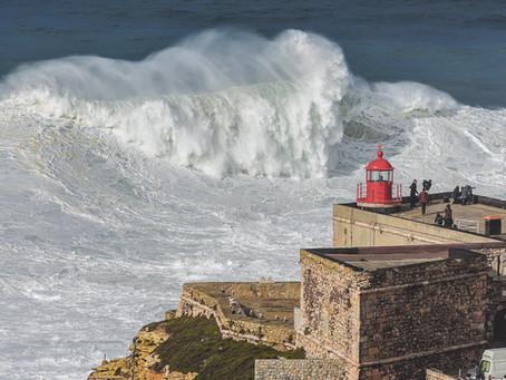 Découvrez les vagues géantes du North Canyon de Nazare