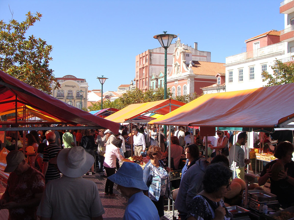 "The daily ""praça"" in Caldas da Rainha is one of the region's most iconic farmers markets"