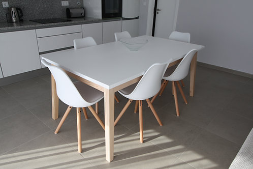 Cais rectangular dining table (6-8 seats)