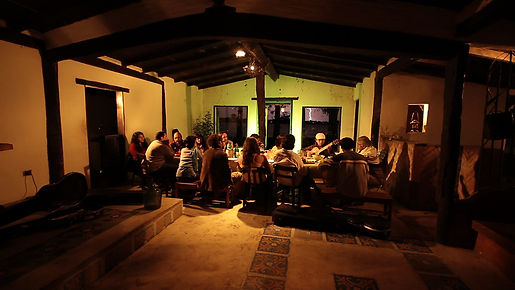 Cena de 4 Guitarras guitarristas chamame Nordeste Argentino Serie documental de Marcel y Yoni Czombos