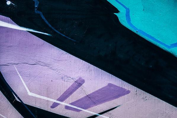 astonishing-wall-graffiti-art-with-purpl