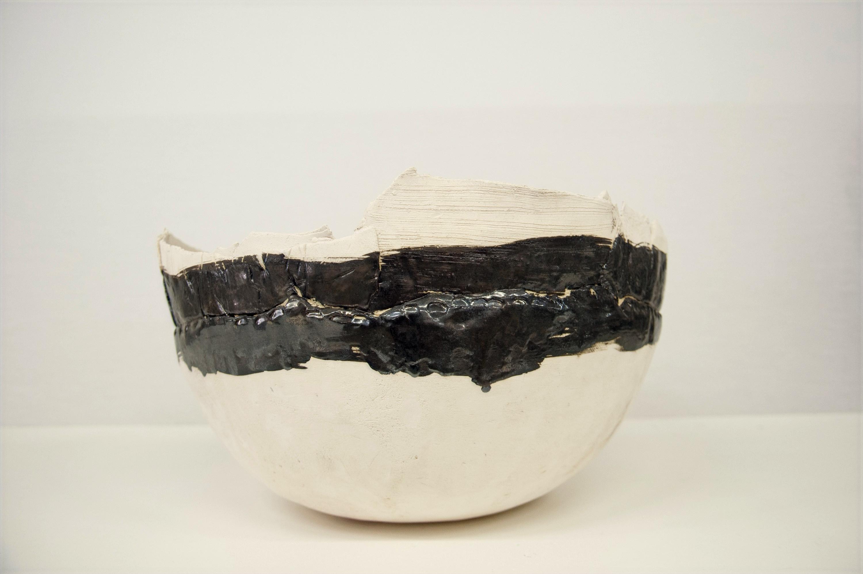Ciotola in ceramica bianca nera