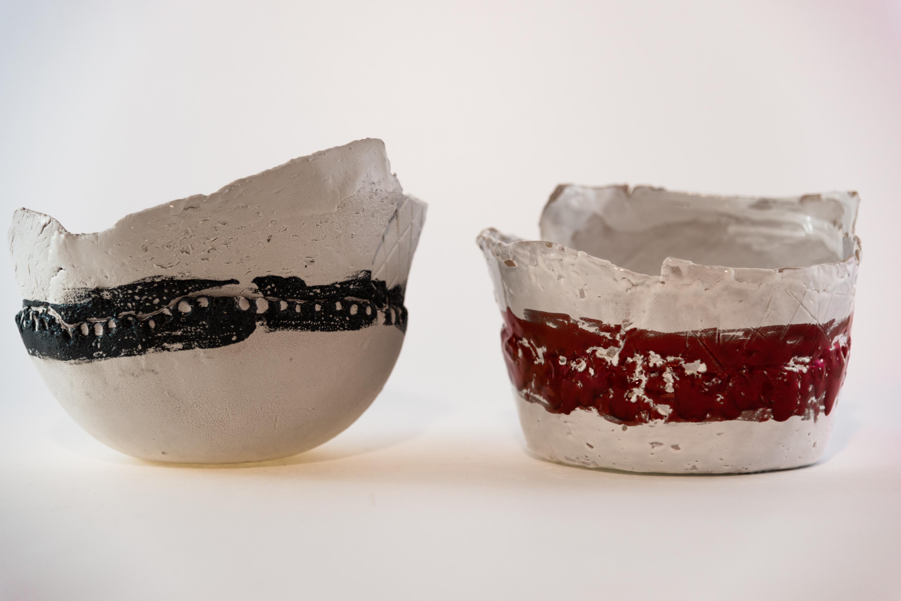 Ciotola in ceramica rossa e nera