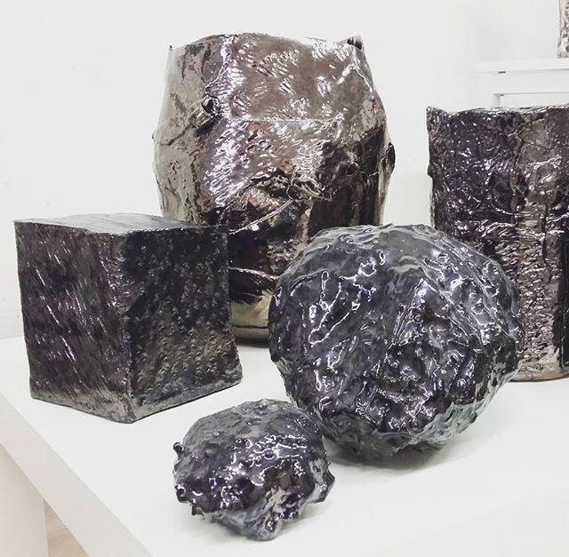 Sculture ceramiche metallizzate