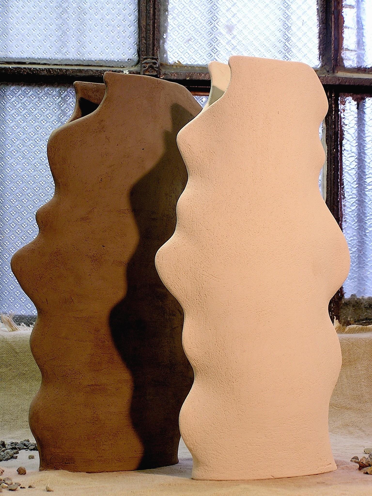 Vaso in ceramica alto senza smalto