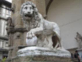 loggia-dei-lanzi-leone.jpg