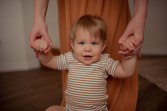 Caitlins Motherhood Session-4.jpg