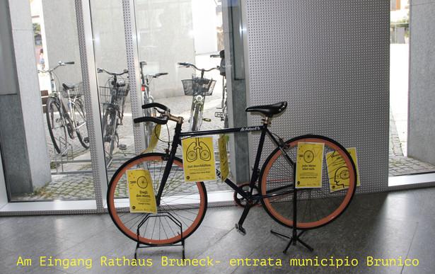 Eingang-Rathaus_Bruneck.jpg