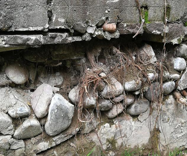 La muraglia prima dei lavori ....