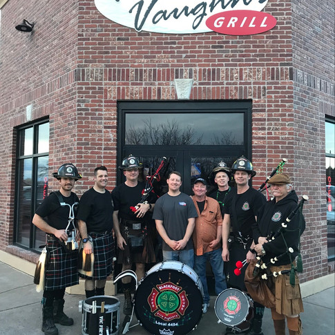 Travis Falter, Jeff Mickelson, Andrew Stewart, Arnie Christensen, Aaron Christensen, Kim Getsinger, along with Tyler and Kevin Rupe at Tommy Vaughn's Grill for the 1st annual Pipes and Drums Pub Crawl.