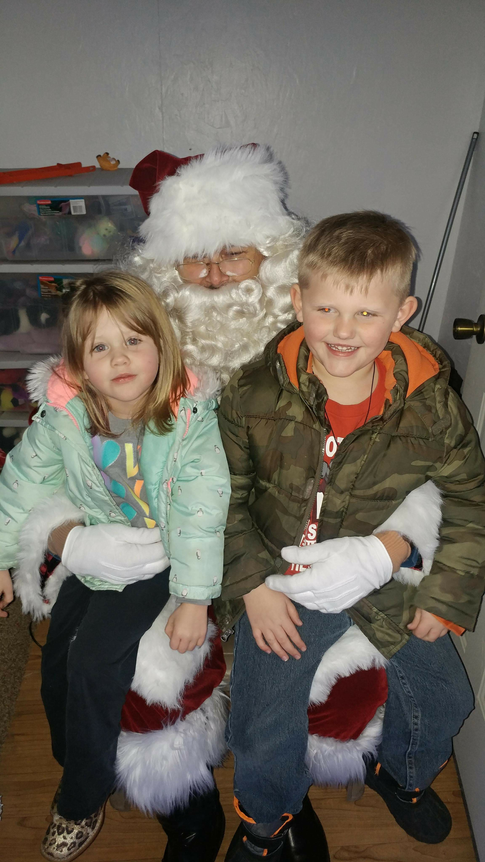 Remy and Colter Ropp with Santa