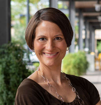 Carrie Lavin - Associate Coach (Arizona)