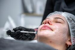 Gesichts Behandlung
