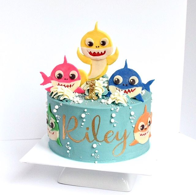 Baby shark kids birthday cake
