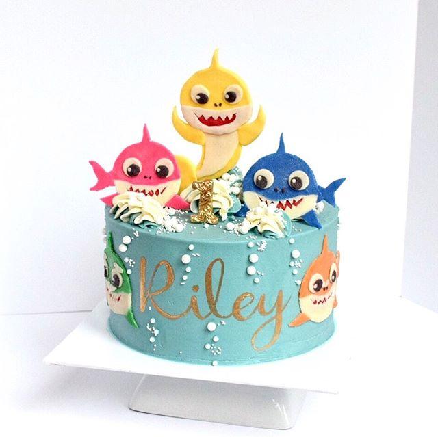 Baby shark kids birthday cake