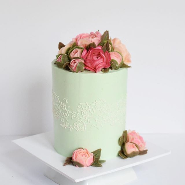 Custom flower cake