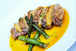 Duck breast with grilled apples, green a