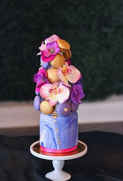 purplemaccake.jpg