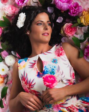 Nicole-Flowers-Full.jpg