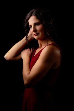Nicole-Dark1-full.jpg