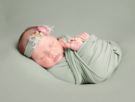 Newborn Mini-Session - Starting at £50