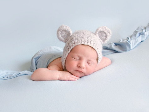 When Should I Book a Newborn Photo Shoot?