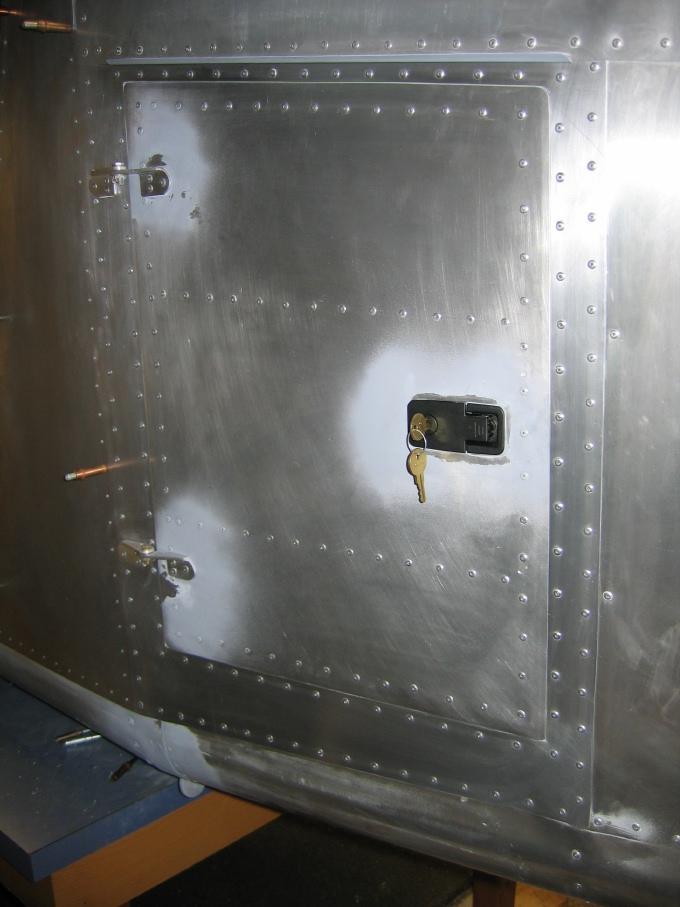 Cargo+Door+006.jpg